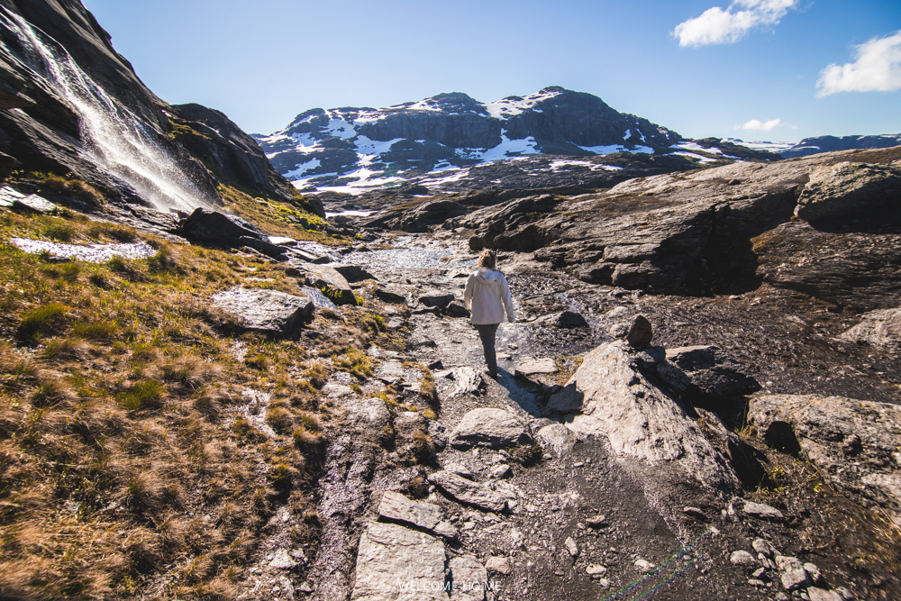 Up to the Trolltunga, Quick facts & Tips.